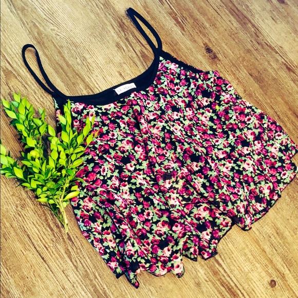 La Hearts Tops - LA Hearts Floral Crop Top